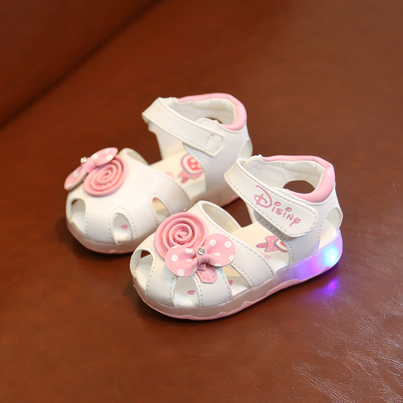 Children's Shoes LED Light Baby Shoes Infant Baby Baotou Sandals Princess 1-3 Years Old Soft Bottom Flower Toddler Shoes