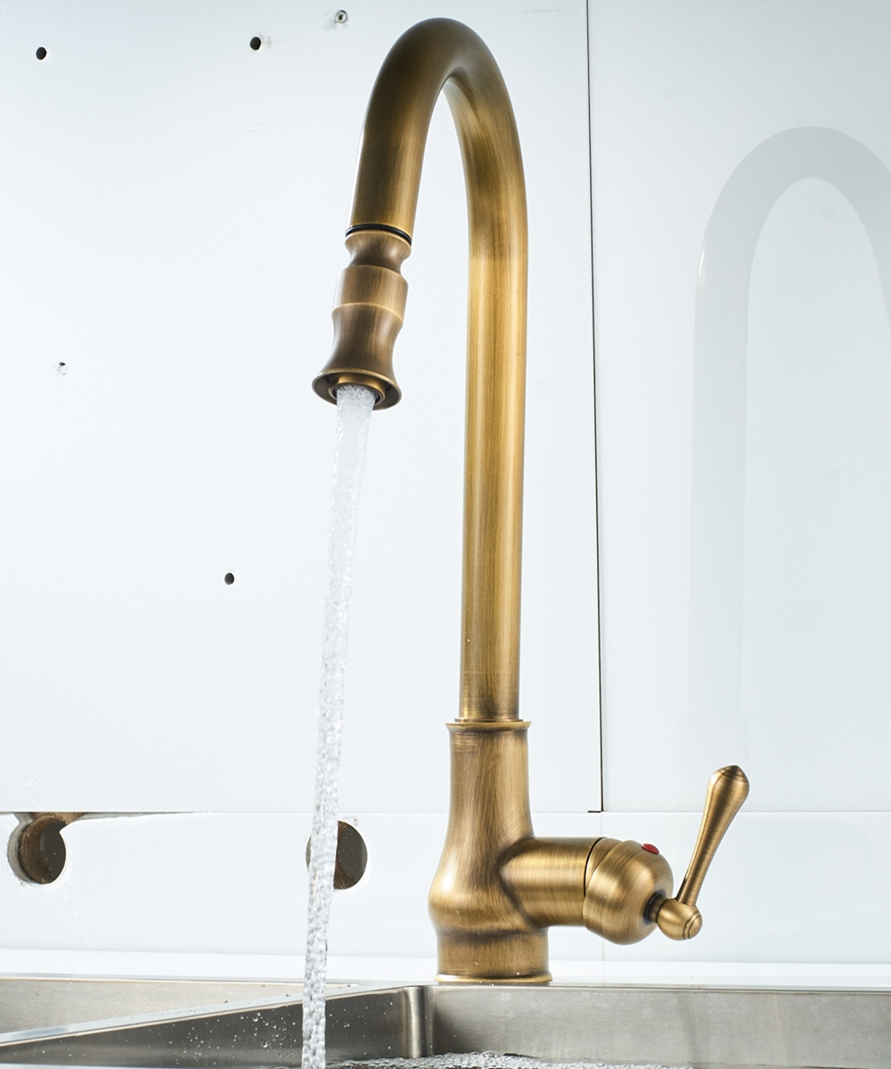 Europe Antique Brass Mixer Pull Out Hot And Cold Water Tap Sink Swivel 360 Degree Mixer Pull Down Kitchen Faucets Single Hole