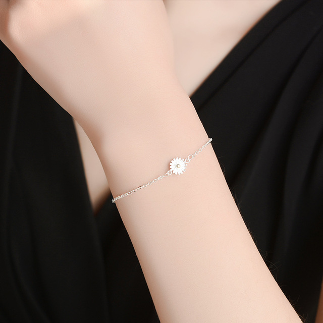 женский браслет из серебра 925 пробы с подсолнухом фотография