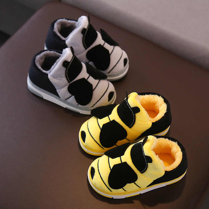 Winter Kids Slippers Children Lovely Bee Non-slip Soft Girls Home Shoes Kids Boys Cartoon Slippers Indoor Floor Shoes Warm