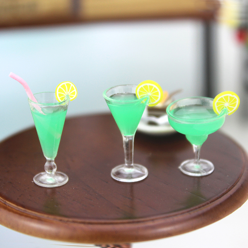 1Pcs 1/12 Dollhouse Miniature Accessories Mini Resin Cocktail Cup Simulation Drink Glass Model Toy Doll House Decoration Scale