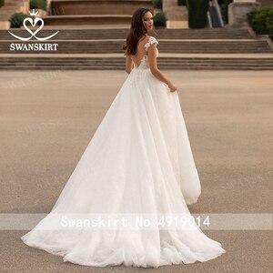 Image 2 - Swanskirt moda kristal düğün elbisesi 2020 yeni sevgiliye aplikler A Line İllüzyon prenses gelin kıyafeti Vestido de novia GI51