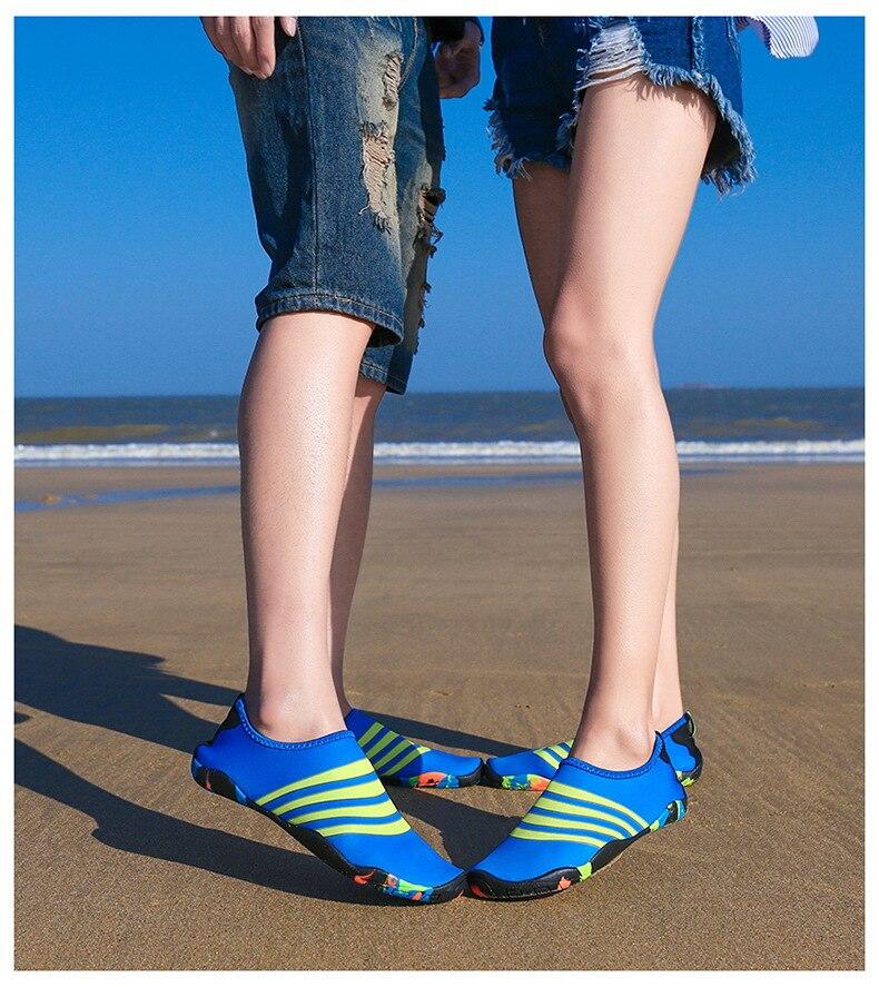 Sapatos de natação