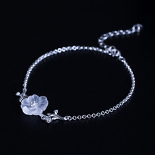 925 Sterling Silver  Hand-carved Simple Trendy Creative Transparent White Crystal Small Flower Ladys Bracelet Accessories