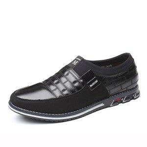 Image 1 - עור גברים נעליים יומיומיות 2019 מותג Mens ופרס מוקסינים לנשימה להחליק על שחור נהיגה נעלי גדול גודל
