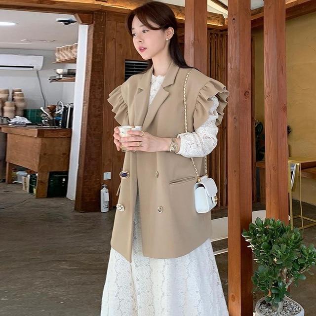 [EWQ] 2020 Summer New Ruffles Turn-down Collar Loose Khaki Vest Office Lady Elegant Simple Ladies Jacket Chic Top Women Coats 3