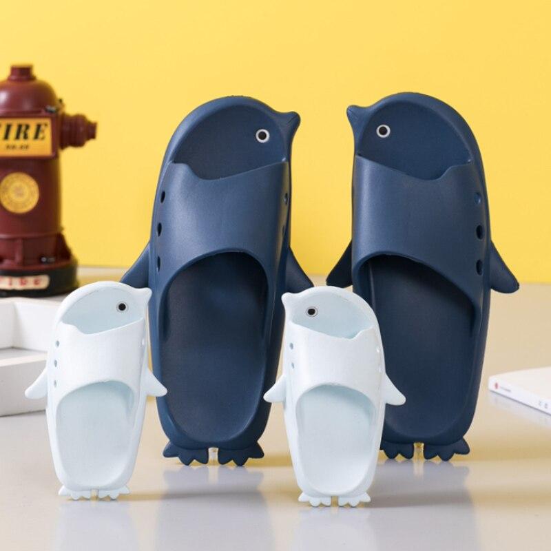 TZLDN 2020 New Summer Cool Penguin Slipper Men High Quality Soft Beach Slippers Fashion Man Casual Shoes