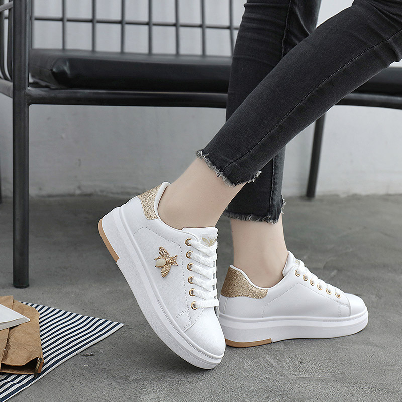 Women Casual Shoes 2019 New Women Sneakers Fashion Breathable PU Leather Platform White Women Shoes Soft Footwears Rhinestone