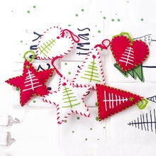 цена на Festival Decoration Red Cloth Five-Pointed Star Love Christmas Baubles Christmas Tree Baubles Three Set Y
