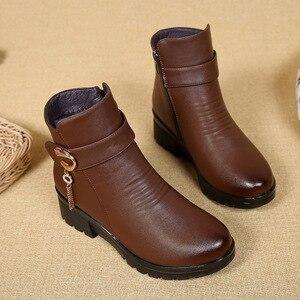 Image 5 - Gktinoo Mùa Đông Giày Giày Bốt Nữ Da Thật Chính Hãng Da Nêm Gót Chống Trơn Trượt Giày Bốt Nữ Size Lớn Mẹ Ấm Khởi Động famale Ủng