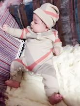 Wiosna jesień i zima dla dzieci chłopca i dziewczyny słodkie Khaki na drutach kombinezony, z długim rękawem Plaid odzież z dzianiny bawełnianej + kapelusz