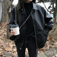 Nova primavera casaco feminino jaqueta de couro do falso motociclista vermelho branco casaco turndown collar pu motocicleta jaquetas soltas streetwear outerwear