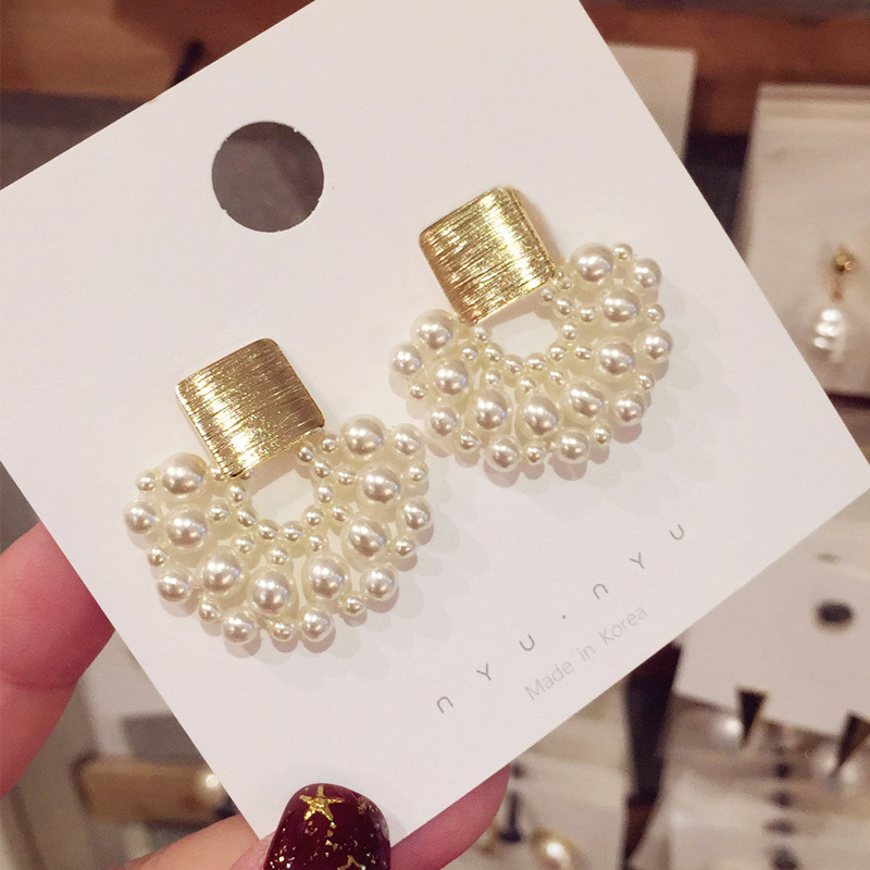 2019-New-Arrival-Simulated-pearl-Bohemia-Round-Women-Dangle-Earrings-Simple-Fashion-Trend-Female-Korean-Jewelry (2)