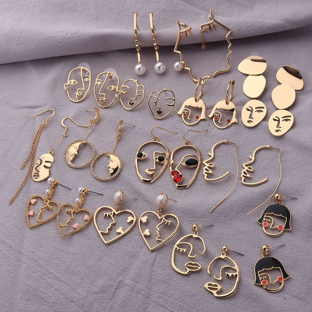 Kiss Me Women Earrings 2019 Korean Fashion Jewelry Gold Color Alloy Face Dangle Earrings Halloween Accessories Brincos title=