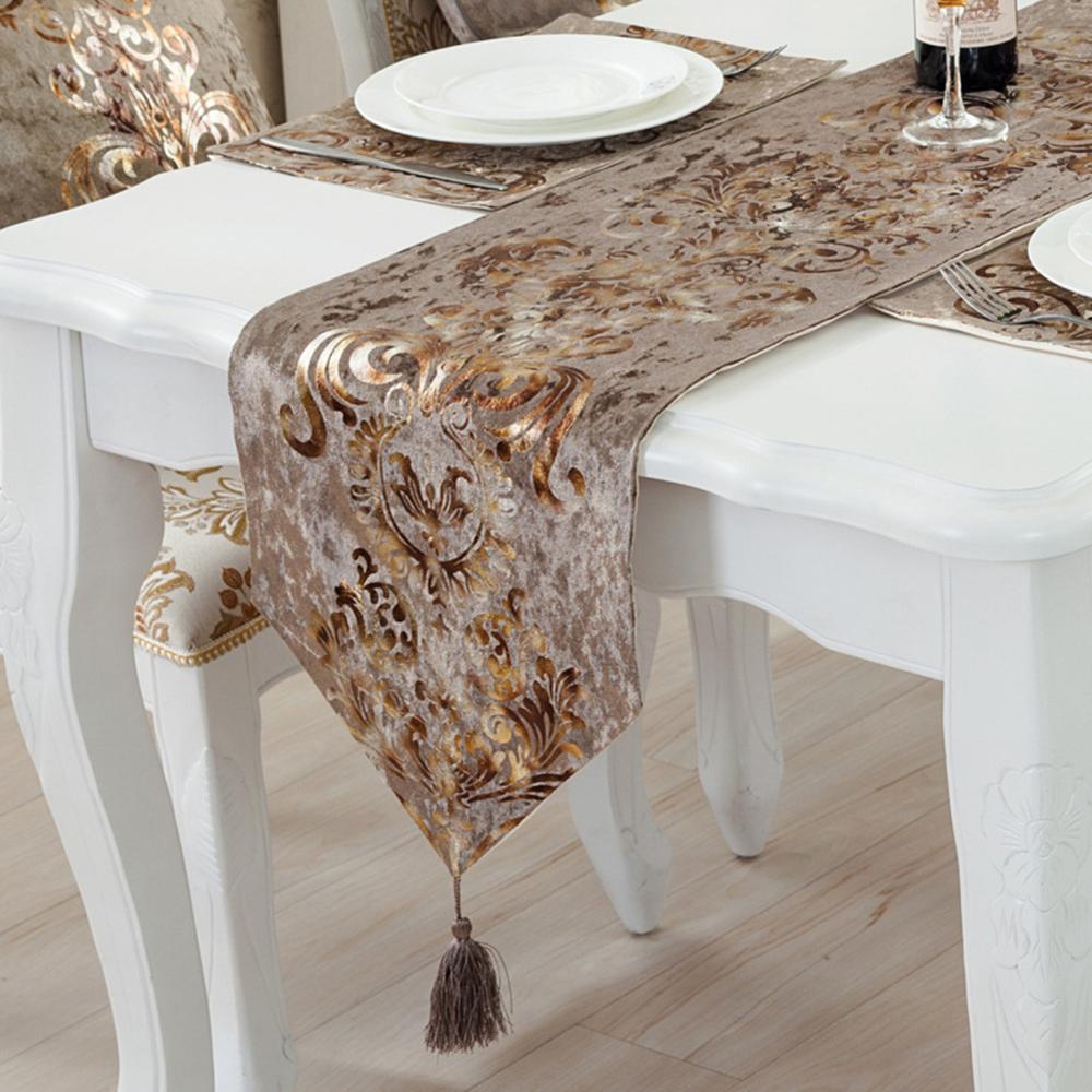 Ev ve Bahçe'ten Şık Masa Örtüleri'de Klasik avrupa tarzı ev flanel masa koşucu moda sözleşmeli çay masası kapak Modern lüks buzdolabı dolap bayrağı sıcak title=