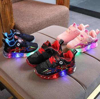 Moda z podświetleniem LED dziecięce buty odjazdowe z motywem spidermana casualowe dziecięce buty sportowe dziecięce tenisowe dziewczynek buty dla chłopców obuwie tanie i dobre opinie Disney 25-36m 3-6y 13-24m CN (pochodzenie) CZTERY PORY ROKU Unisex RUBBER Dobrze pasuje do rozmiaru wybierz swój normalny rozmiar