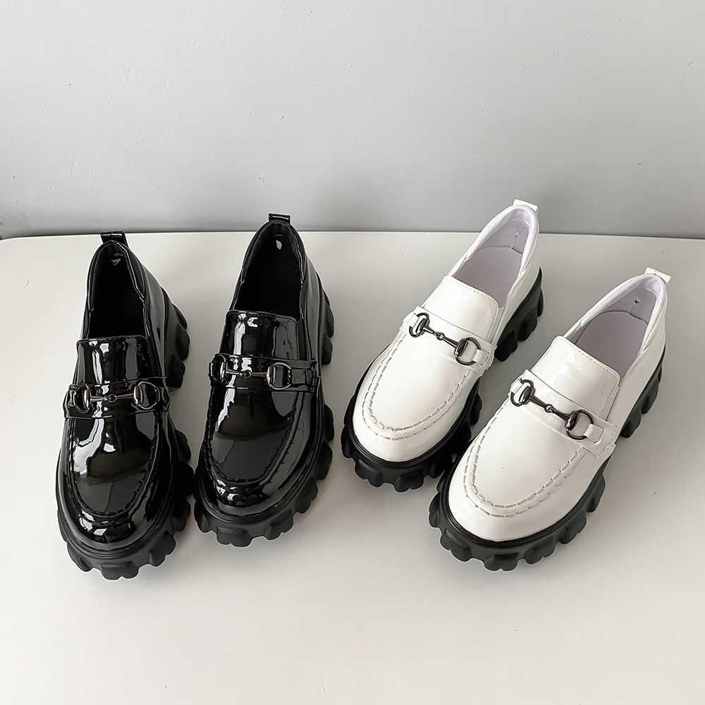 Kadınlar flats platformu loafer'lar bayanlar metal dekorasyon slip-on kalın tabanlı rahat ayakkabılar kadın kadın loafer'lar siyah artı boyutu 15 46