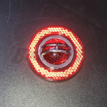 2020 100 brand new odblaskowa naklejka plastikowy znak bezpieczeństwa czerwony dla ciężarówek przyczepy autobusy samochody motocykle części tanie i dobre opinie Całego ciała Inne Inne naklejki 3d 0inch Stickers cartoon PMMA plastic Karoserii 10cm Nie pakowane Reflective Sticker