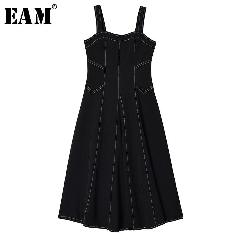 [EAM] Women Black Line Split Joint Temperament Spaghetti Strap Dress New Sleeveless Loose Fit Fashion Spring Autumn 2020 1S650
