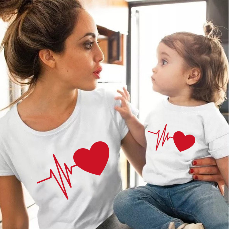 New Family Matching Clothes Mommy And Me T Shirt Mother Daughter Red Love Funny Printing Mother And Daughter Tops