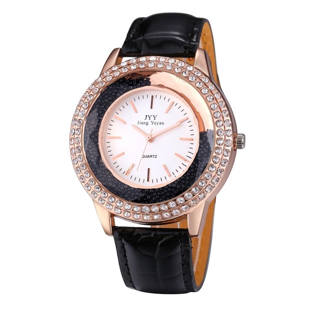 2020 New Casual Fashion Women Watches  Leather Diamond Rhinestone Bracelet  Quartz Luxury Womens Watches Top Brand