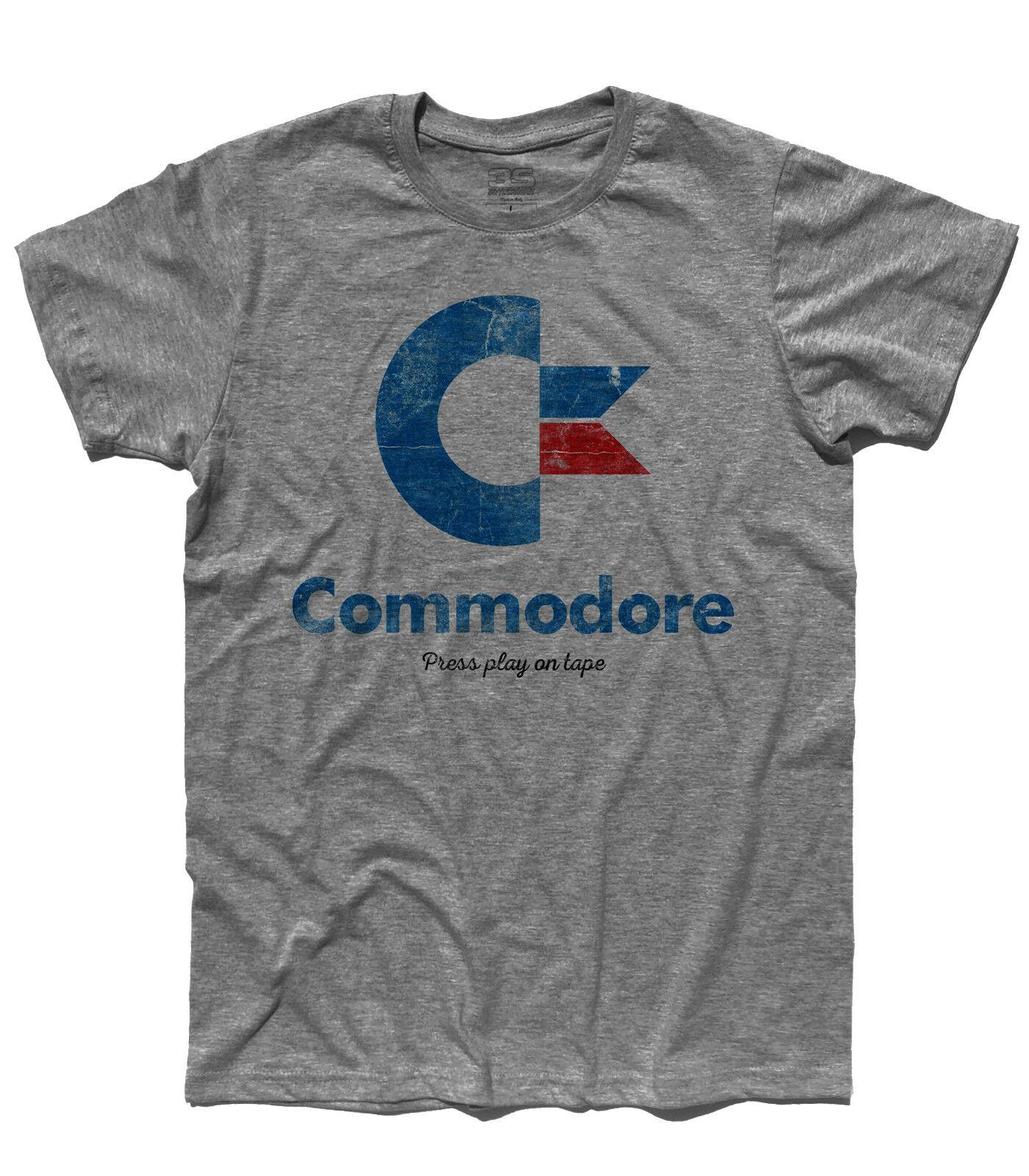 T camisa logotipo commodore antichizzato imprensa jogar na fita do computador em casa