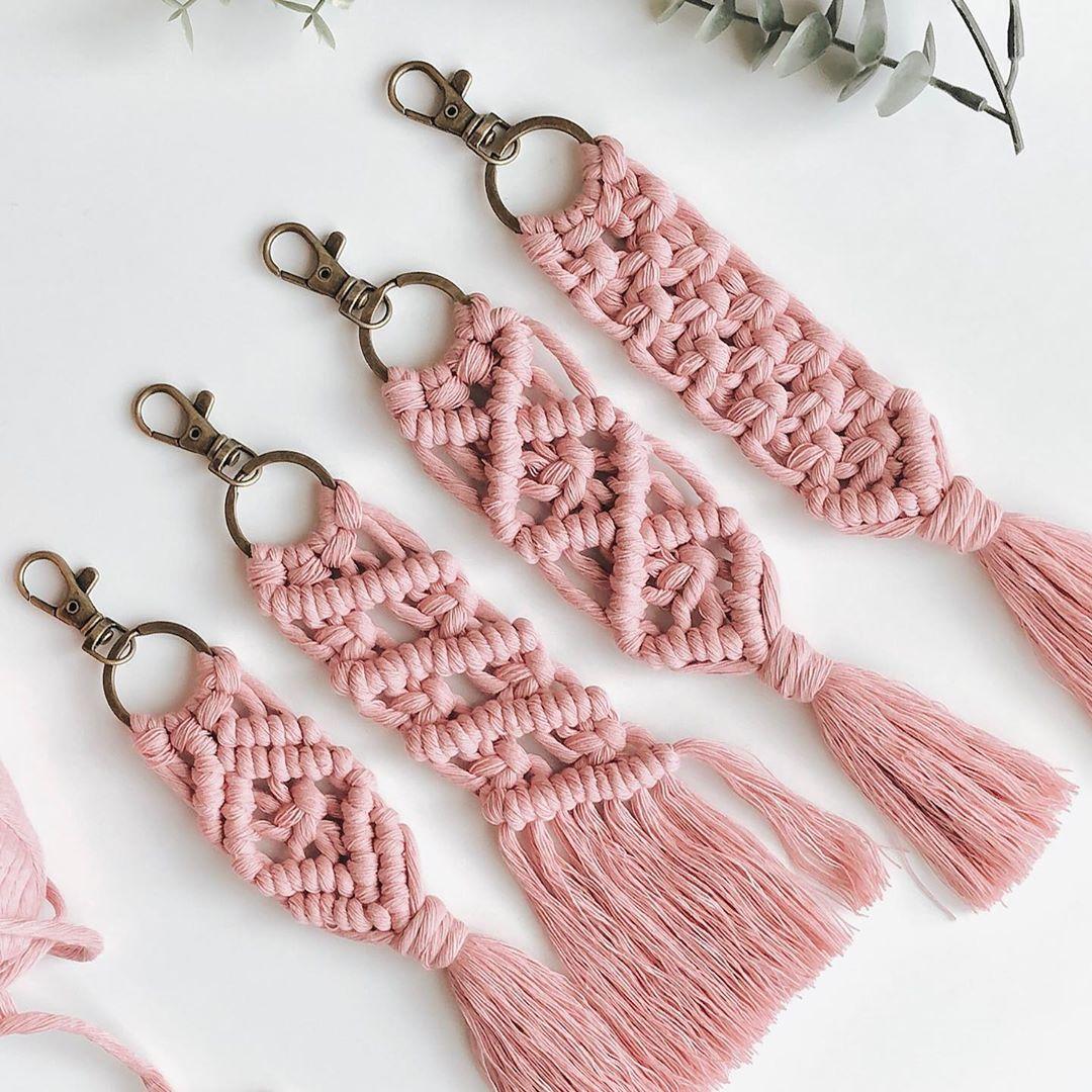 Girlgo Bohemian Pink Macrame Handmade Tassel Key Chain For Women Fashion Weave Keying Bag Charm Jewelry Women Gifts Wholesale