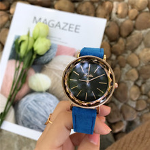 sports fashion leather band analog watch for women analog cl