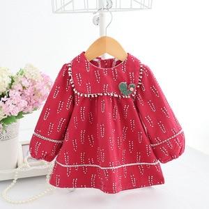 Image 4 - Baby Mädchen Kleidung Säuglings mädchen kleid Frühling Laterne Hülse Böhmen Stil Floral Print Baby mädchen kleid mit Spielzeug 3 Farbe