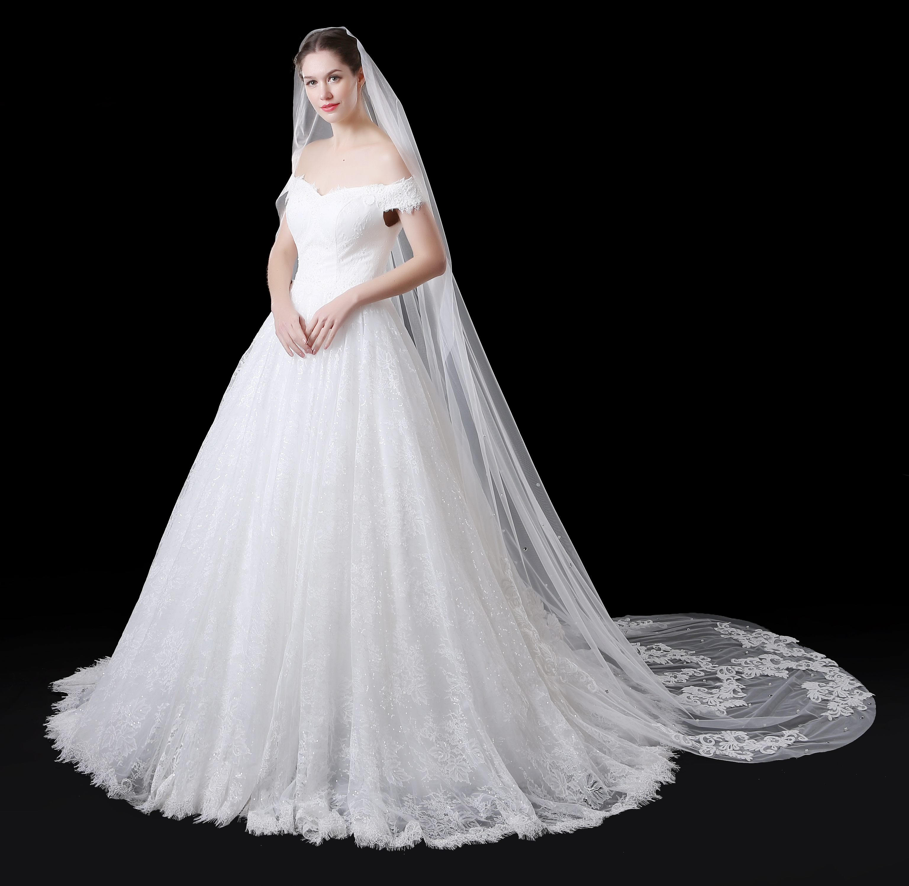 Customized 5 Meter White Ivory  Wedding Veils Long Lace Edge Bridal Veil with Comb Wedding Accessories Bride  Wedding Veil 2020
