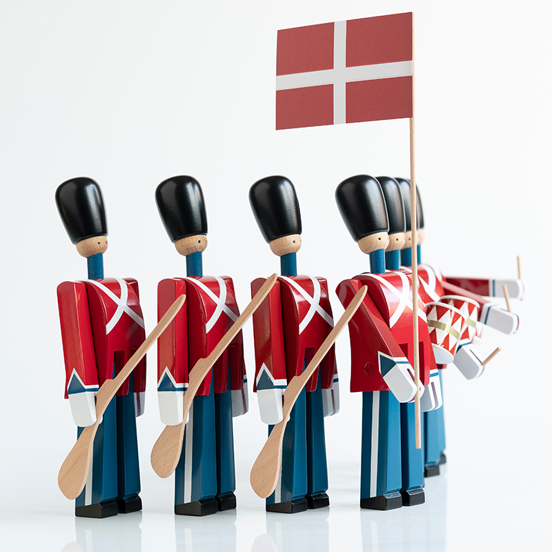 Nordic Danish Soldier Wooden Miniature Figurines Decoration Creative Home Decor Children's Model Puppet Handmade Solid Wood