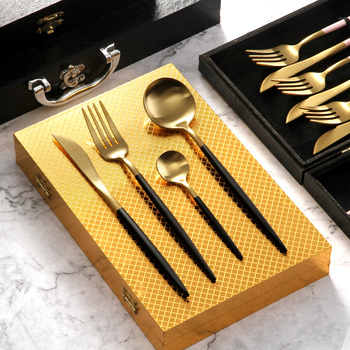 Creative household steak cutlery set Western Style Black And Gold Fork Knife With Golden Giftbox Newest Tableware