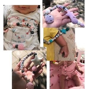 Image 3 - 다채로운 실리콘 맞춤 편지 젖꼭지 클립 재미 Chupetero 체인 먹이 유아 씹는 장난감 클립 BPA 무료