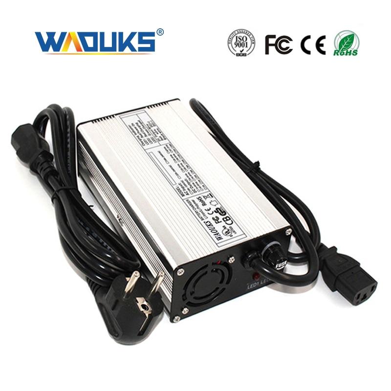 WAOUKS 58.8V 4A リチウムイオン電池充電器 14S 51.8V リチウムイオンバッテリー電動自転車の充電入力 100VAC 240VAC  グループ上の 家電製品 からの 充電器 の中 1