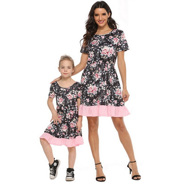 2020 Summer Family Matching Outfits Mother & daughter Matching Clothing 2-8T Floral Dress Mom Girls Family Clothes Outfits 5