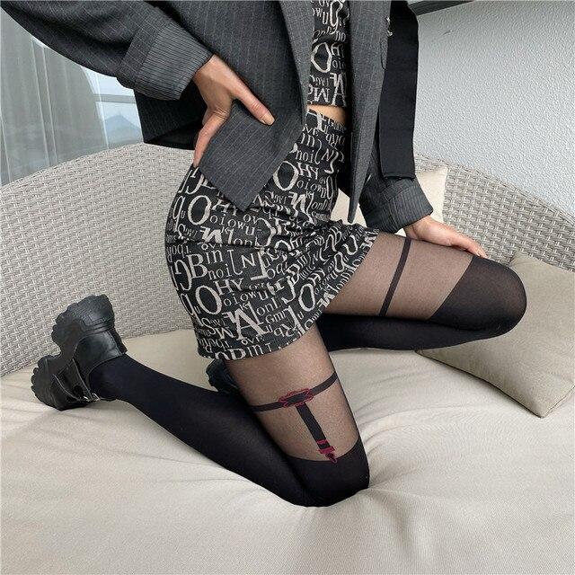 Frauen in schwarzen strumpfhosen