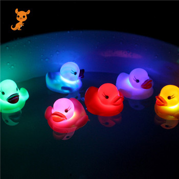 1PC New Cute Rubber Duck Bath Flashing Light Toy Duck Baby Shower Bathroom Toys Multi Color LED Lamp Bath Toys for Children 2019 new classic baby bath floating rubber duck toy cute unicorn frog sailor bath toy birthday party dress toy