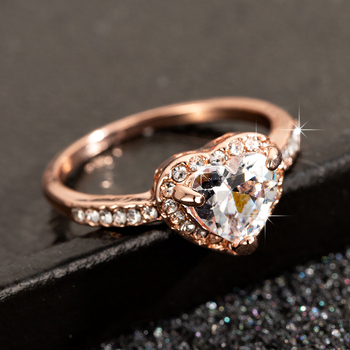Fashion Rose Gold Crystal Heart Shaped Wedding Rings For Women Luxury Elegant Zircon Engagement Rings Jewelry Party Gifts 8