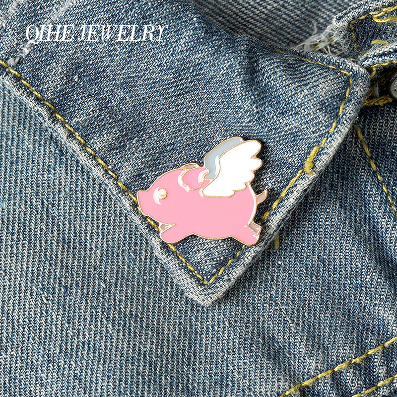 Pink Angel Wing Pig Enamel Lapel Cartoon Pins Lucky Animal Brooches Badges Fashion cute Pins Gifts for Friends Pins Wholesale