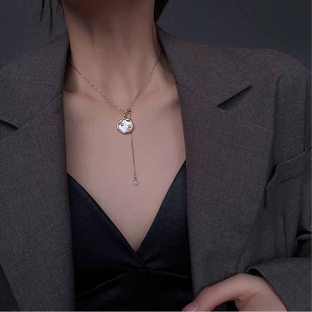 2021 pearl shell disc titanium steel necklace female ins cold wind temperament choker clavicle chain forest pendant woman