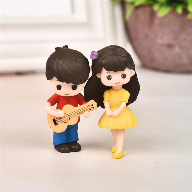1 Pair Sweet Lovers Couple Figurines Miniature Craft With Guitar Ornament Fairy Garden Decor Home Decoration Accessories 2