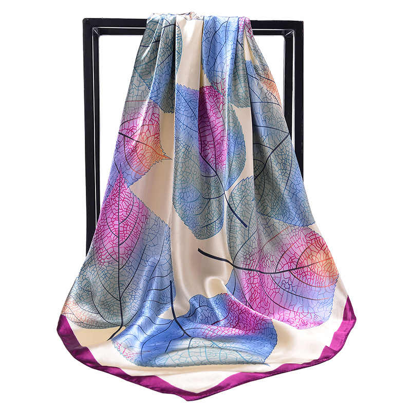 2019 di Modo Fazzoletto In Raso di Seta Della Sciarpa del Hijab Per Le Donne Leaves Stampa Scialle Sciarpa Sacchetto di 90*90cm Scialli Quadrati e Avvolge Collo Sciarpe