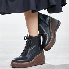 Кроссовки; Женская обувь из натуральной кожи на танкетке; Ботильоны