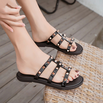 Fashion Women Slides Summer Rivet Slippers Women Shoes Flip Flops Sandals Upstream Lady Shoes Beach Slides Zapatillas Mujer 1