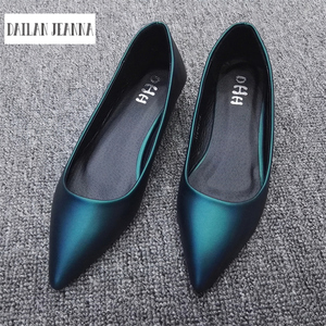Image 1 - הגעה חדשה 2017 אביב ובסתיו נשים של נעלי מוקסינים נשים שטוח העקב נעלי סירת נעלי מקרית אירופאי סגנון גודל 31 44