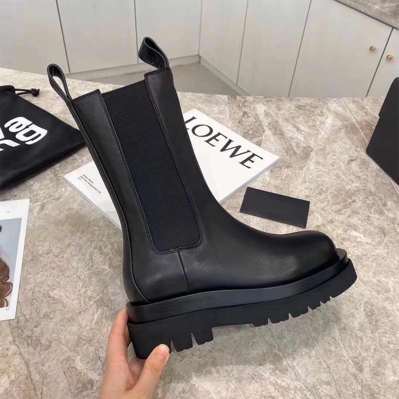 2020 kadın siyah kısa çizmeler yuvarlak ayak Martin Botas Femmes üzerinde kayma şövalye platformu kalın Botines Punk Zapatos Mujer Stilettos