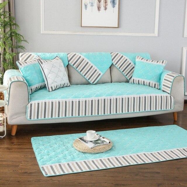 Фото полосатый тканевый чехол для дивана на четыре сезона нескользящая