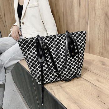Luxury Designer Women Handbags Fashion Letter Casual Tote Bags Large Capacity Shoulder Bags Simple Crossbody Bags Louis Brand fashion handbags women bags designer ladies canvas cotton letter shopping bag simple student shoulder bags large casual tote
