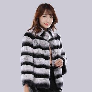 Image 2 - Kobiety szynszyla futro pani prawdziwe futro królika reks kurtka w paski skóra kobiet prawdziwa odzież z futrem gruba ciepła, markowa moda