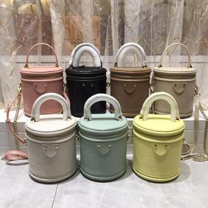 free shipping 2020 the new style fashion and mini genuine cow leather women handbag one shoulder bag crossbody bag 7 color 17cm